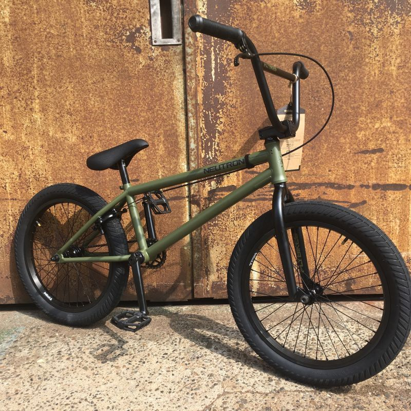 FLY BIKES / NEUTRON (FOREST GREEN/LHD)